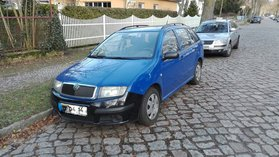 Skoda Fabia blau Erstbesitz