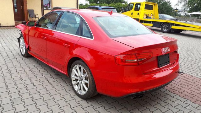 Audi A4 2.0 TFSI Quattro S line S tronic