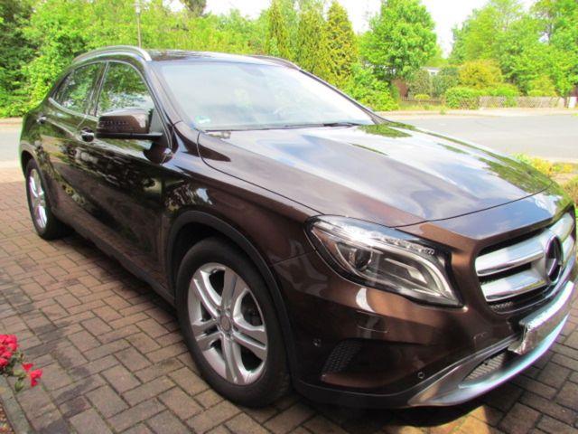 Mercedes-Benz GLA 200 7G-DCT Urban