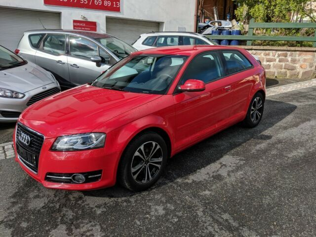 AUDI A3 1.2 TFSI Ambiente S-Tronic-8-fach-Top-