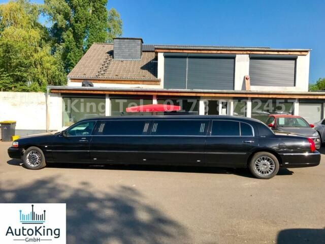 LINCOLN Town Car Executive Strech Limousine V8|Leder|Bar