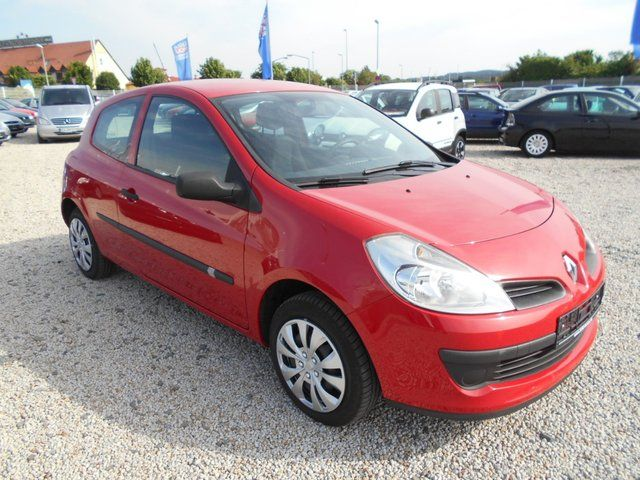 RENAULT Clio III Authentique,8 Fach Bereift!