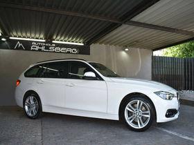 BMW 330i Touring xDrive Advantage /Navi/LED/SHZ/PDC