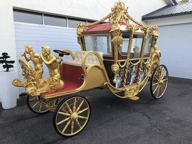 -- Königliche Kutsche mit E-Antrieb --