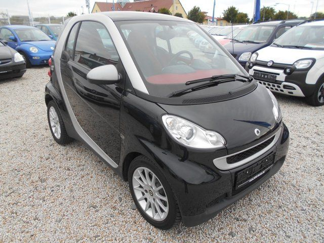 SMART ForTwo coupe Micro Hybrid Drive,Klima,Panor.Dach, usw.!