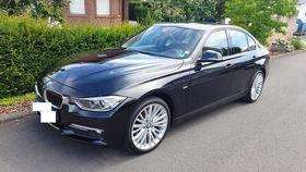BMW 320d xDrive LUXURY LINE