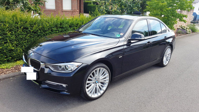 BMW 320d xDrive LUXURY LINE