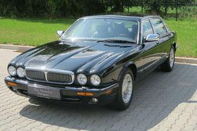 JAGUAR Daimler XJ8 Langversion