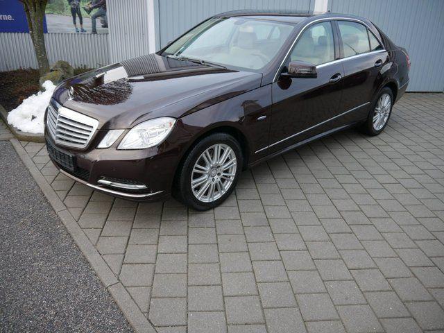 Mercedes-Benz E 300 ELEGANCE - BE - 7G-TRONIC - LEDER BEIGE - NAVI - PTS - SHZG - ESHD