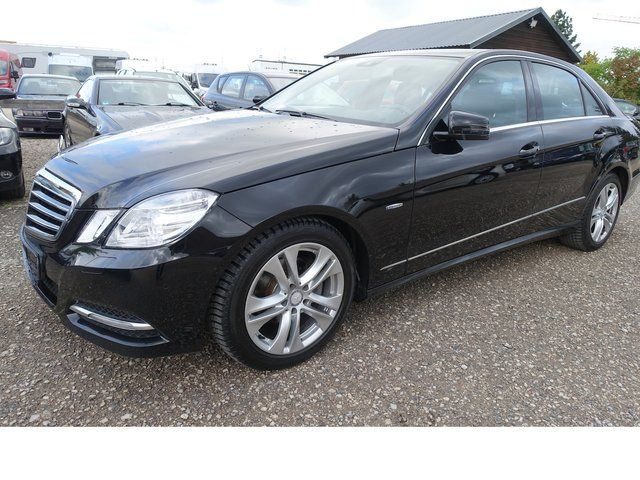 MERCEDES-BENZ E 200 E-Klasse Lim. CGI BlueEfficiency ATM 60'km