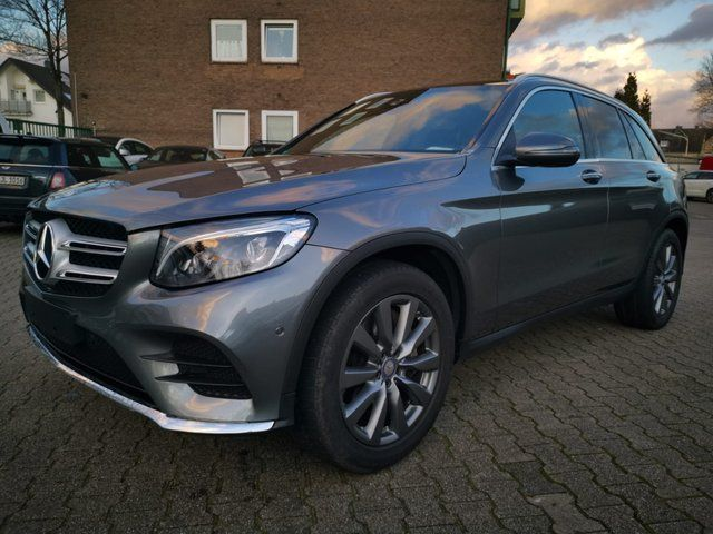 MERCEDES-BENZ GLC 220 d 4Matic AMG Panorama Keyless