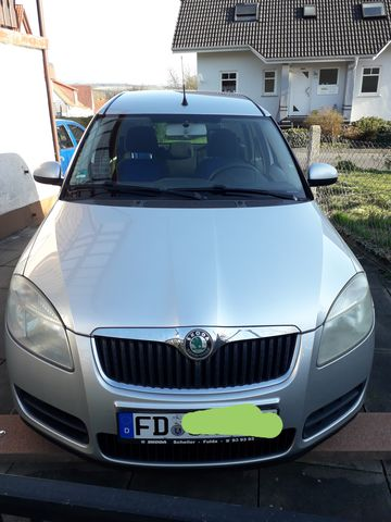 Skoda Roomster 1.4 16V Style Plus 86PS silbermetallic