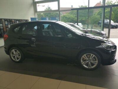 BMW 220i Active Tourer Sport-Line / Navi / LED /