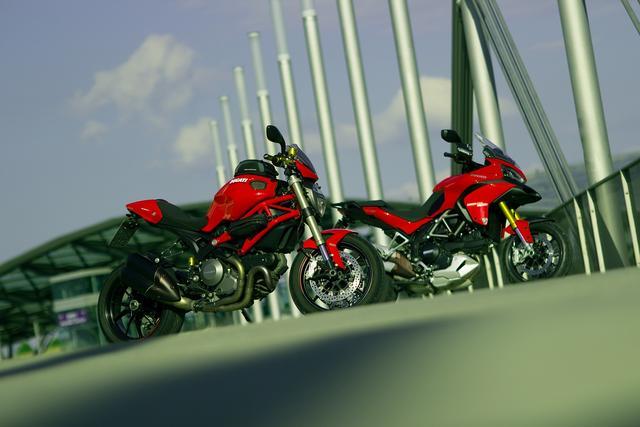 Super gepflegte Ducati Monster 1100 EVO abzugeben!