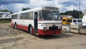 Oldtimer Reisebus Volvo B715 (1966)