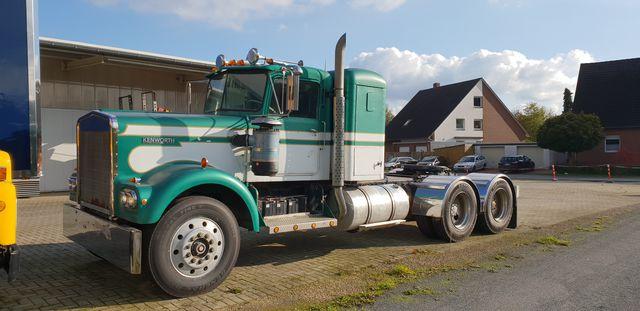 Kenworth W 900